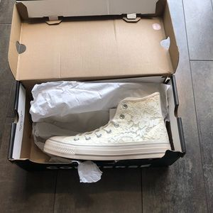 White Lace High Top Converse new in box size 8